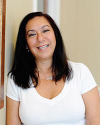 Dina, Front Desk/Endodontic Assistant
